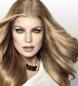 Idée coloration cheveux du noir au blond