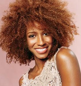 Modèle couleur cheveux afro