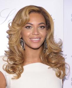 Jolie couleur cheveux blond caramel