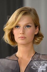 Tendance : couleur cheveux blond foncé