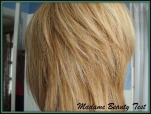 Modèle couleur cheveux irisé