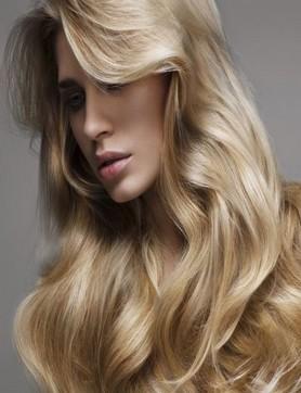 Couleur de cheveux blond irise