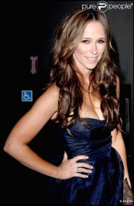 Quelle couleur cheveux jennifer love hewitt