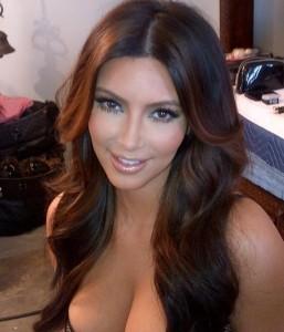 Idée couleur cheveux kim kardashian