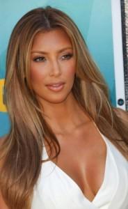 Mode pour femme : couleur cheveux kim kardashian