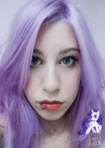 Belle couleur cheveux lilas pour femme