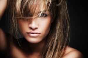 Modèle couleur cheveux pour yeux marron