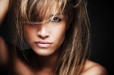 Couleur cheveux pour les yeux marrons