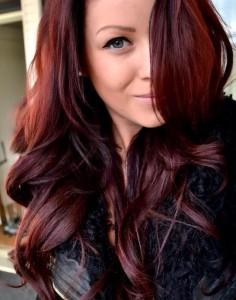 Idée couleur cheveux rouge foncé