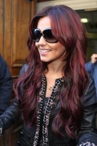 Jolie couleur cheveux rouge foncé