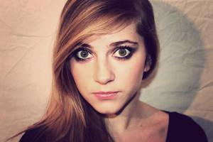 Exemple couleur cheveux yeux marron vert